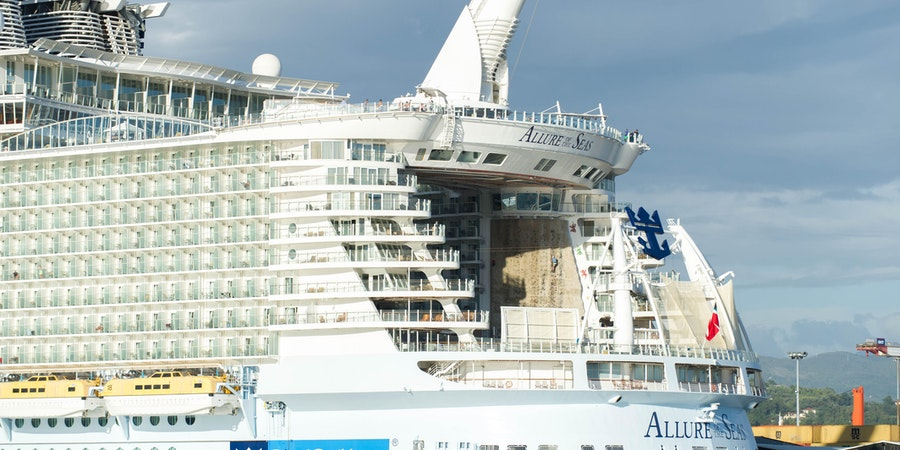 Royal Caribbean Reports Strong Cruise Bookings, Higher Pricing