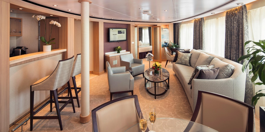 CC Seabourn Sojourn OWNER SUITE